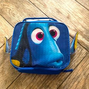 Dory insulated lunch bag with fins